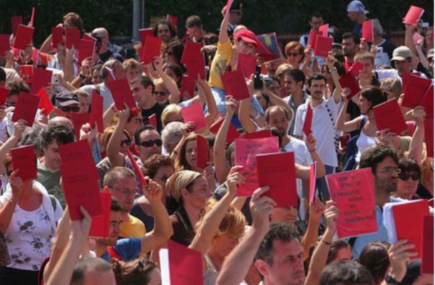 Movimento delle Agende Rosse promosso da Salvatore Borsellino fratello del giudice Paolo ucciso dalla mafia il 19 luglio 1992